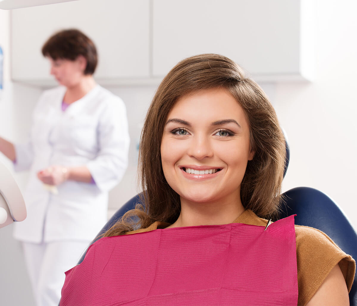 Dentist in London Ontario Area Describes the Benefits of a Professional Teeth Whitening Treatment